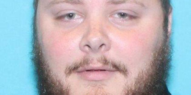 Il killer del Texas non avrebbe potuto possedere armi, ma un errore dell'Air Force gliel'ha