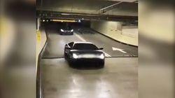 La Lamborghini che passa sotto la sbarra senza pagare il ticket è la sintesi di come viene percepito oggi il