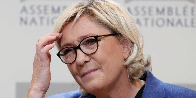 Marine Le Pen, l'assemblea nazionale francese le toglie l'immunità per le foto dell'Isis pubblicate su