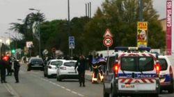 Una macchina si lancia su un gruppo di persone davanti a un liceo vicino Tolosa: 3 studenti