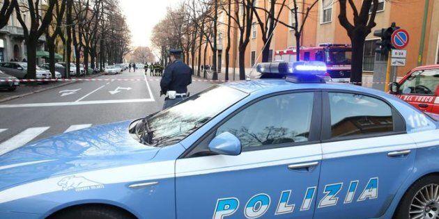 Duplice omicidio a Roma: prima accoltellata una trans, poi un 20enne. Fermato un uomo: