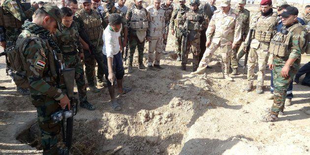 Iraq, trovate fosse comuni con 400 corpi di persone massacrate