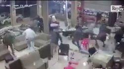 L'istante in cui la terra ha tremato in Iraq, ripreso dalle telecamere di sorveglianza di un