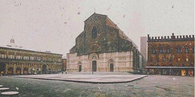 Bologna si imbianca per la prima nevicata della