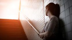 Una donna confessa al marito di essere stata violentata, poi fa il test del DNA: era stato