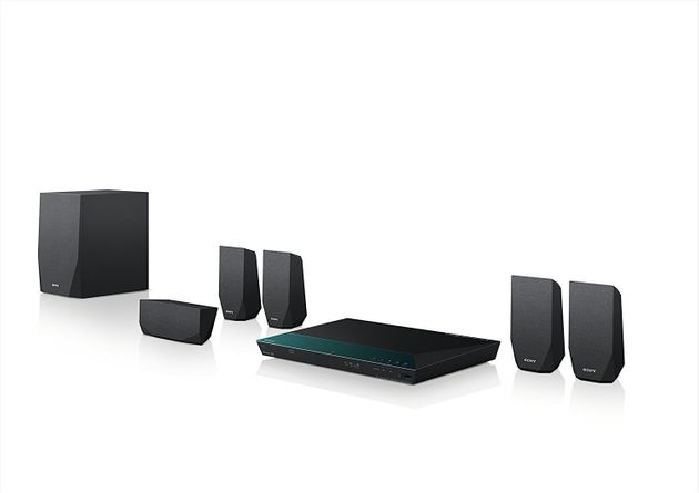 Idee regalo Natale: 10 oggetti di elettronica (smart tv e non solo) in offerta su
