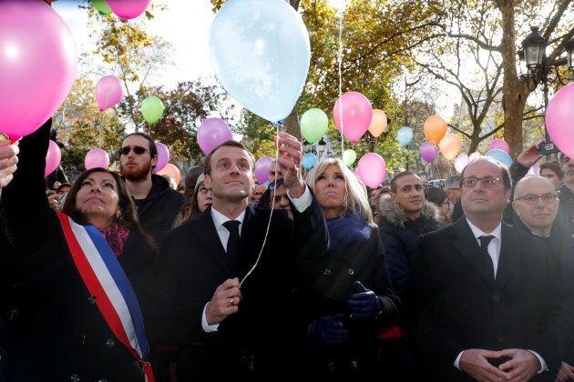 Le lacrime di Macron e Brigitte a 2 anni dall'attentato al Bataclan valgono più di mille