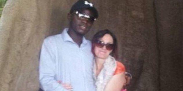 Lascia marito e 9 figli e scappa in Gambia per unirsi al suo toyboy conosciuto su