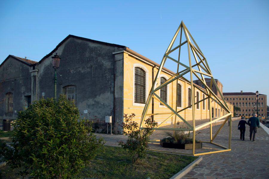 A Venezia l'arte incontra la scienza e fa riflettere la società sui cambiamenti