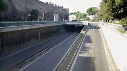 Cadavere di donna trovato in un sottopasso del centro di Roma con profonda ferita alla testa. Ipotesi