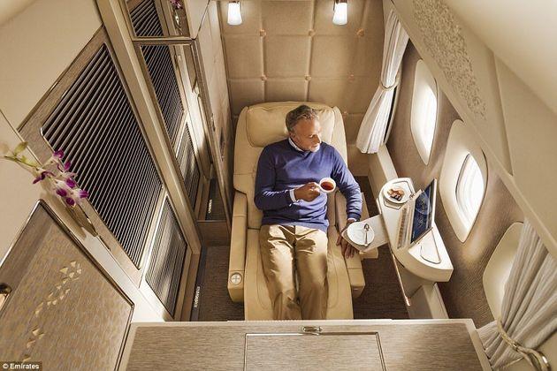 Finestra panoramica e armadio personale. Per volare nelle suite extra lusso della Emirates