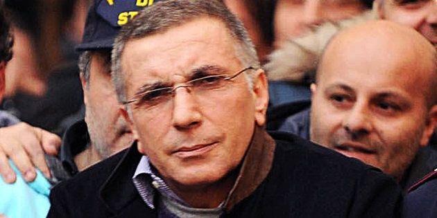 Il superlatitante della camorra, Michele Zagaria, arrestato dalla polizia a Casapesenna il 7 dicembre...