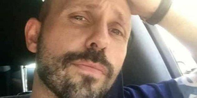 L'hanno sgozzato e provato a scioglierlo nell'acido per 8mila euro: madre e figlio accusati dell'omicidio...