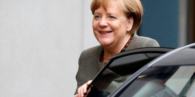 Angela Merkel ai negoziati per la formazione del nuovo governo: