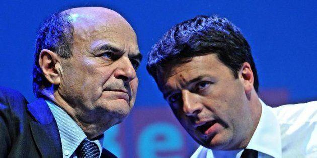 Pier Luigi Bersani con Matteo Renzi. ANSA/MAURIZIO