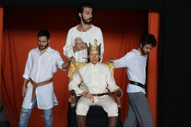 Maddalena Crippa in Richard II (Credito foto: Paolo Porto da ufficio stampa