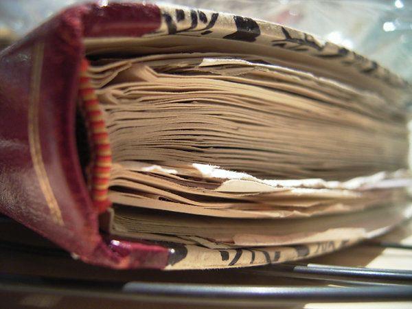 Il diario di Giovanna, contadina analfabeta, vittima di violenza costretta alla prostituzione, insegna...