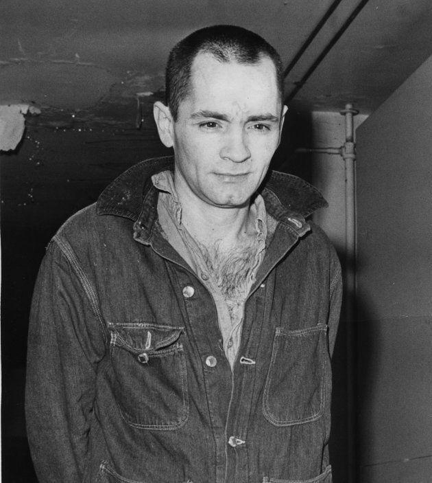 Charles Manson era figlio di una prostituta che lo vendette per una birra: la vera storia dell'icona...