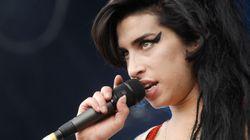Lana Del Rey pubblica una foto con Amy Winehouse. Lo scatto nasconde un segreto e fa impazzire i