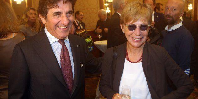 L'imprenditore Urbano Cairo con la giornalista Milena Gabanelli in occasione del premio