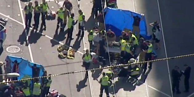 Auto contro passanti nel centro di Melbourne, almeno 19