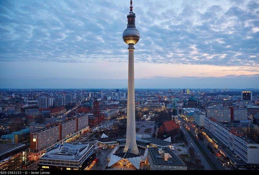 Volete scappare per natale ecco 8 capitali europee a for Quattro stelle arredamenti prezzi