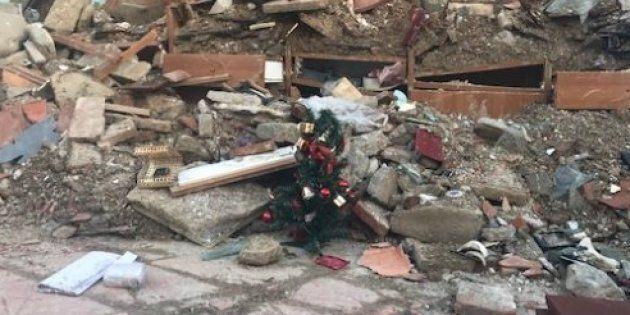 Buon Natale di resistenza con l'alberello di Amatrice. La settimana di HuffPost in