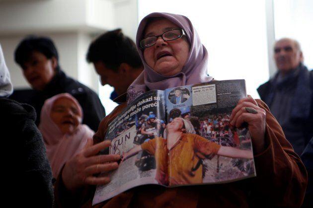 I volti delle sopravvissute di Srebrenica, nel giorno che fa la storia ma non cancella il