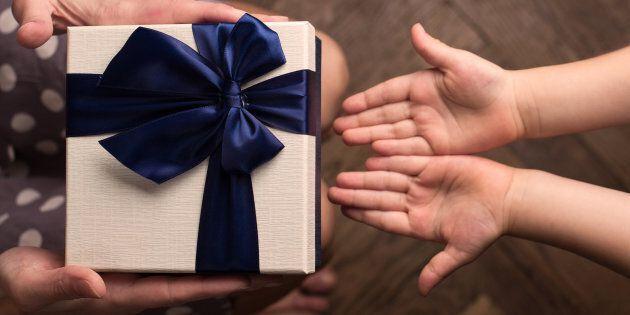 Sanremo, rubati i regali di Natale dei piccoli malati