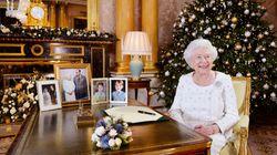Non è passato inosservato che sulla scrivania della Regina manchi