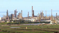 Maxi evasione fiscale sulle accise, la Guardia di Finanza sequestra depositi e raffinerie dell'Eni: 18