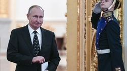 Ora è ufficiale, Putin corre per il quarto mandato al Cremlino. Le opposizioni chiamano la piazza: manifestazione il 28