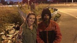 Un senzatetto le regala gli ultimi 17 euro che ha per fare benzina, una ragazza ne raccoglie per lui 97mila in 12