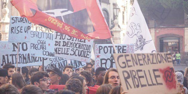 """Siamo con gli studenti, i docenti e le famiglie che protestano il 24 novembre contro una pessima """"alternanza"""