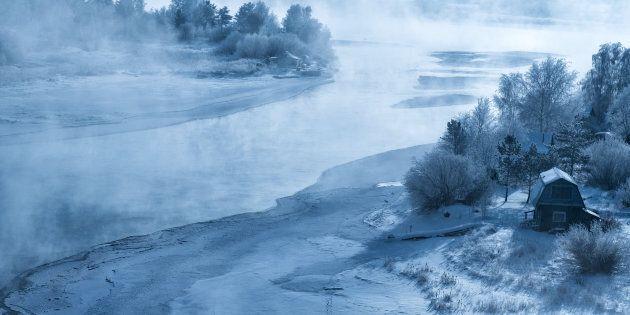 In Siberia le temperature hanno raggiunto i -50 gradi, ma i bambini sono stati costretti ad andare a