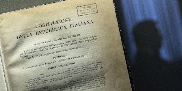 Un delle tre copie originali della costituzione italiana esposta