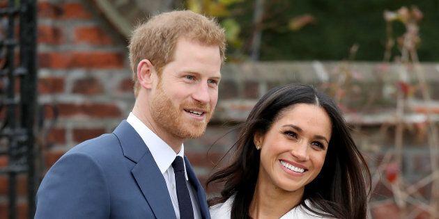 Harry e Meghan risparmiano in vista del matrimonio: vanno in vacanza ma volano in economy (e vicino alla