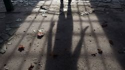 Tre minorenni fermati per l'omicidio del ventenne trovato in una valigia, probabile il movente