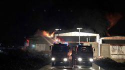 A fuoco un capannone nel pavese, allarme nube tossica. Evacuate 100
