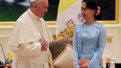 FRANCESCO CHIEDE I DIRITTI UMANI IN MYANMAR - Colloquio con San Suu Kyi, con il