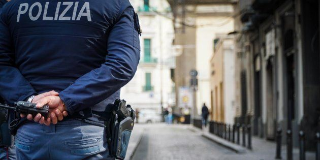 Vendevano permessi di soggiorno da 500 a 5mila euro: arrestati sei ...