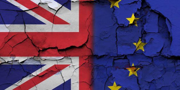 Accordo Gb-Ue sull'assegno della Brexit, attorno ai 60 miliardi di euro, Il capo negoziatore dell'Unione...