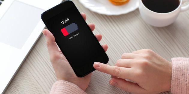 Avete sempre caricato il vostro smartphone nel modo sbagliato. 5 trucchi per far durare più a lungo la