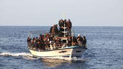 Naufragio di un gommone carico di migranti a nord di Tripoli: almeno una decina di morti, 86 in