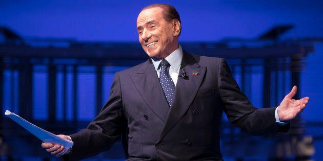 Silvio Berlusconi alza la guardia sui grillini: