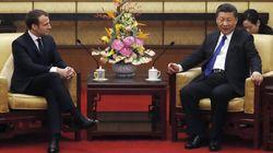 Macron vola in Cina e prova a mettere l'Europa tra Xi e