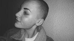 Si rasa i capelli e li dona ai bambini con il cancro: Niamh, 14 anni, viene punita dalla scuola: