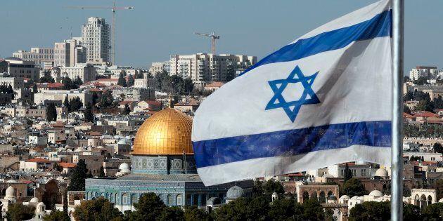 """Trump pronto a dichiarare Gerusalemme """"capitale indivisibile ed eterna dello Stato"""