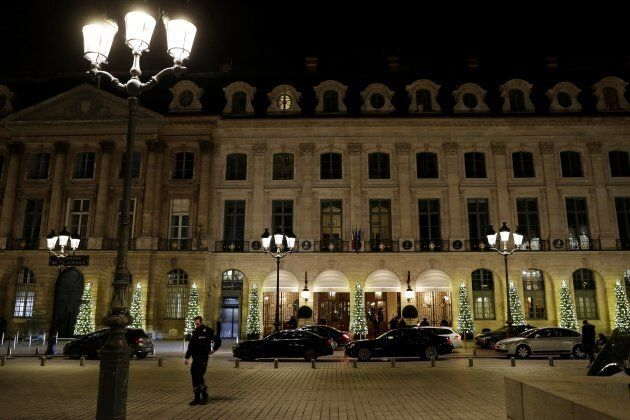 Rapina all'hotel Ritz di Parigi: rubati gioielli dal valore di 4 milioni di