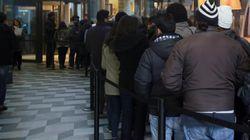 Vigilante McDonald's allontana gruppo di africani a Milano: preso a calci e pugni, poi